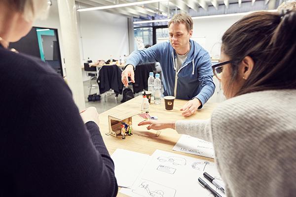 Diskussion mit Co-Designern aus Herzogsägmühle