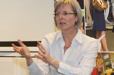 Veronika Egger beim Vortrag am 13. Mai 2014